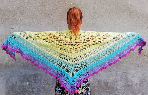 Háčkovaný šátek